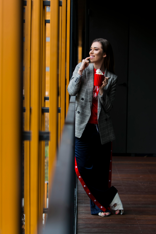 Agnieszka Wesołowska - spodnie z lampasami