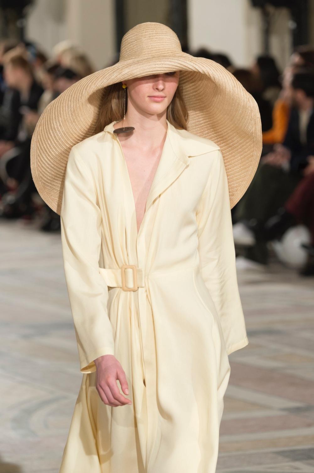 Jacquemus: Runway - Paris Fashion Week Womenswear Fall/Winter 2018/2019
