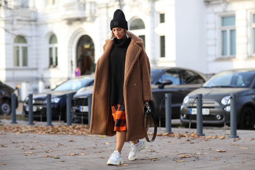 Street Style - Hamburg - November 26, 2018