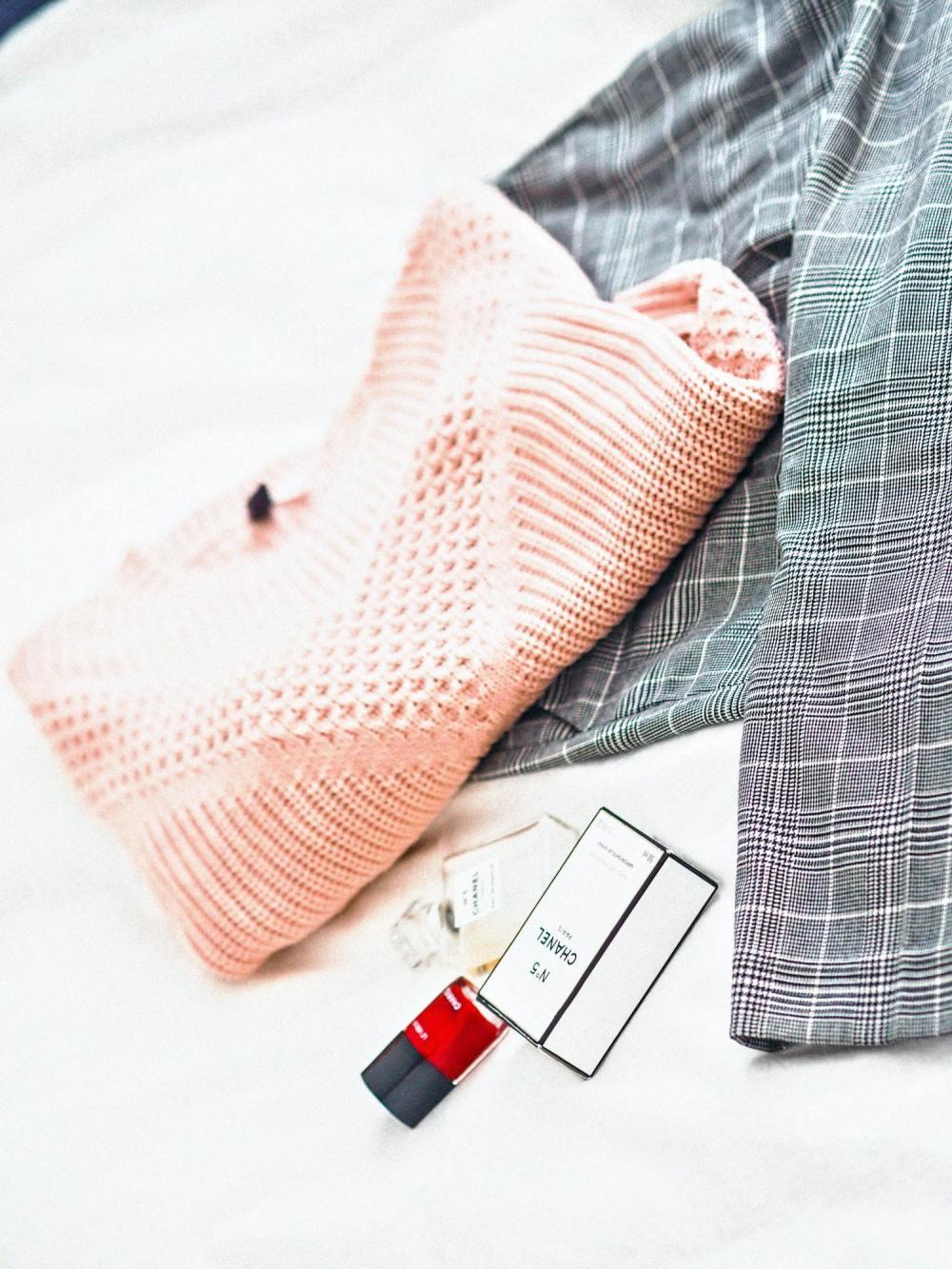unsplash wardrobe 4 wesowow